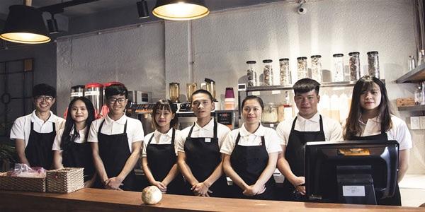 Đội ngũ nhân viên tại Domingo Coffee luôn sẵn sàng phục vụ nhu cầu thuê máy pha cafe của bạn