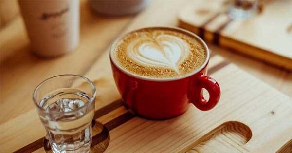 Latte cafe là thức uống có thành phần gồm Espresso và sữa