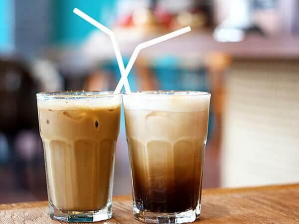 Cách pha cafe latte đá tại nhà